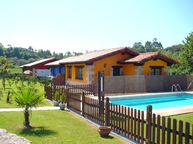 Casas rurales en asturias con piscina for Hoteles rurales en extremadura con piscina